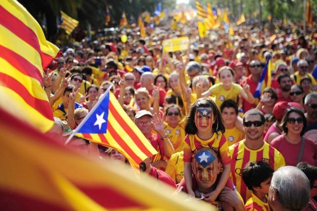 À l'appel d'associations indépendantistes, ils manifestent pour la... (PHOTO MANU FERNANDEZ, archives AP)