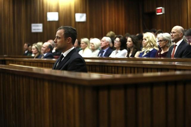 Le champion paralympique sud-africain Oscar Pistorius était accusé... (PHOTO ALON SKUY, REUTERS)