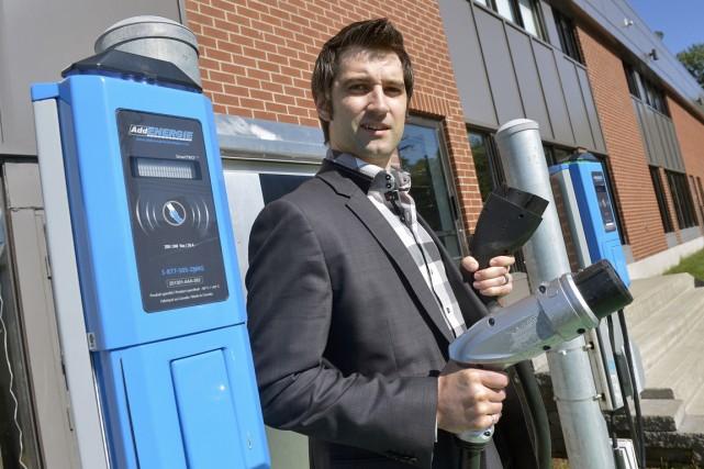 La borne de recharge pour voitures électriques CoRe+,...
