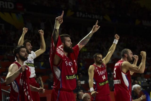 Les Serbes affronteront les Américains en finale, dimanche.... (PHOTO JAVIER SORIANO, AFP)