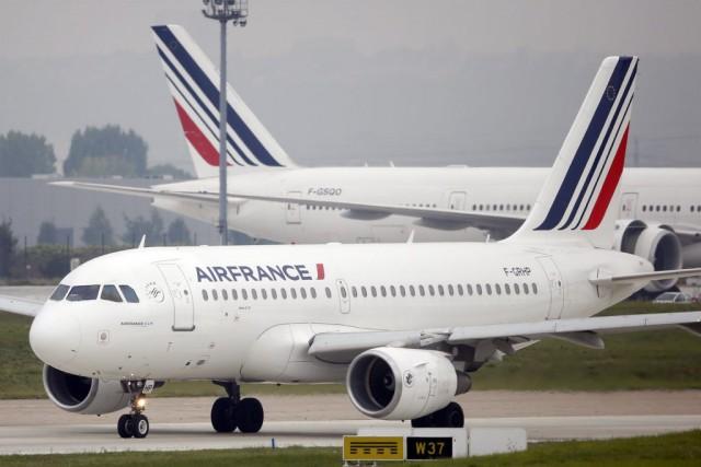Air France s'est défendu mardi d'avoir volontairement fait disparaitre l'État... (PHOTO ARCHIVES REUTERS)