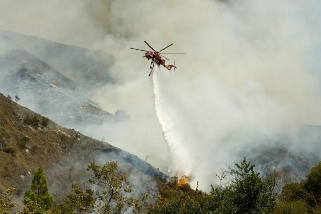 Les risques d'incendies sont accrus et le travail... (Photo Sam Gangwer, AP)