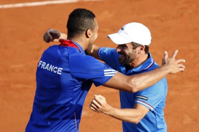 Jo-Wilfried Tsonga et Arnaud Clément, le capitaine de... (Photo Charles Platiau, Reuters)
