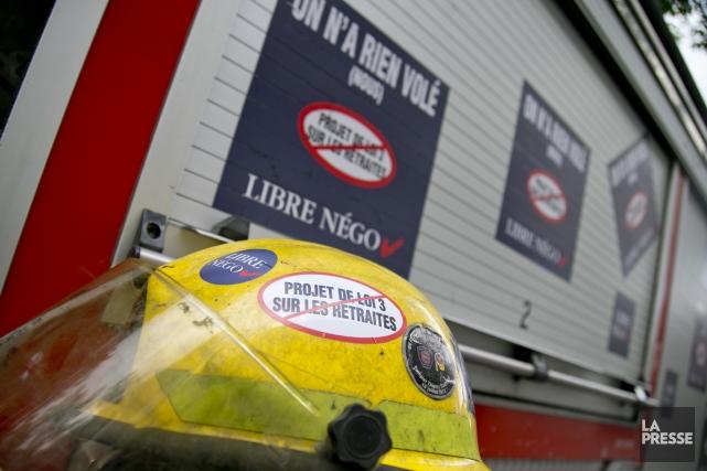 Les autorités municipales accusent ses pompiers de mettre... (Photo David Boily, La Presse)