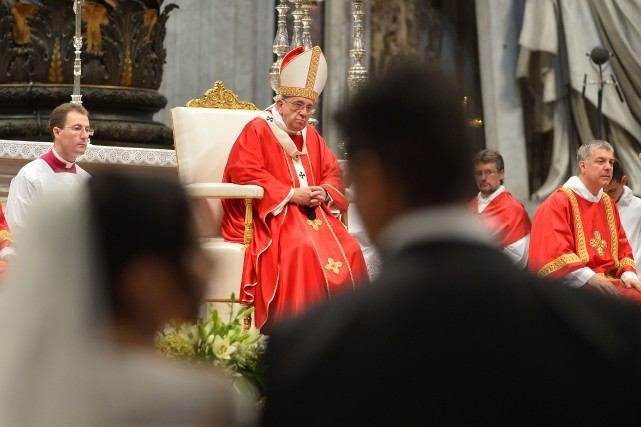 Pour le pape François c'est la première célébration... (Photo ALBERTO PIZZOLI, AFP)