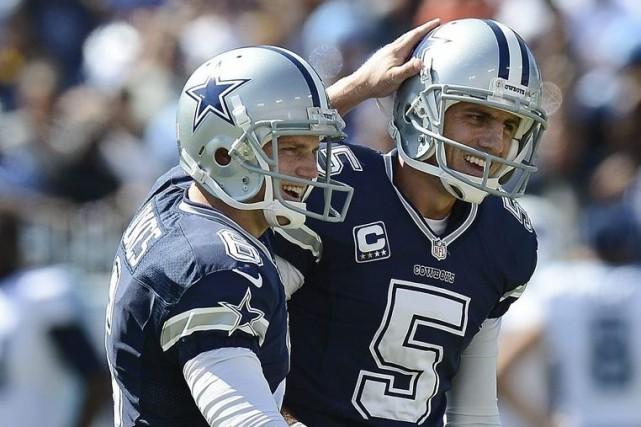 Le botteur des Cowboys Dan Bailey (5) est... (PHOTO MARK ZALESKI, AP)