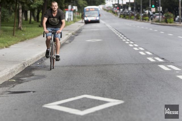 Ceux qui voyagent de manière «active» disent ressentir... (PHOTO SIMON GIROUX, LA PRESSE)