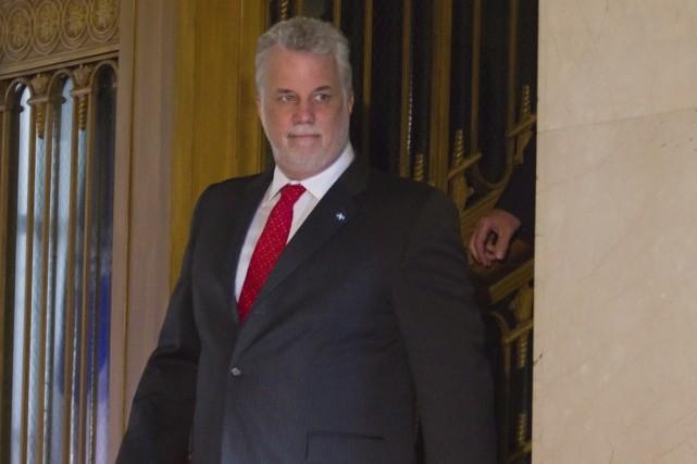 Le premier ministre Philippe Couillard a prévenu les... (PHOTO CLÉMENT ALLARD, ARCHIVES PC)