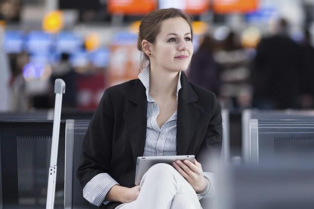 Rien de tel qu'un peu de lecture pour lutter contre l'ennui dans l'avion. Un... (Photo Thinkstock)
