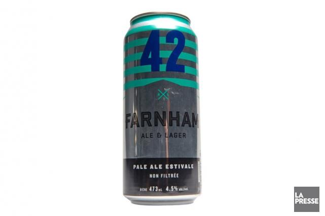 La bière 42 de la microbrasserie Farnham Ale... (PHOTO FRANCOIS ROY, LA PRESSE)