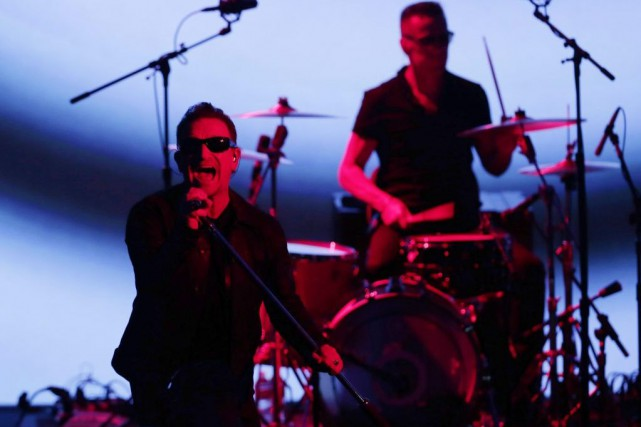 Bono et Larry Mullen Jr. de U2 en... (PHOTO ARCHIVES AP)