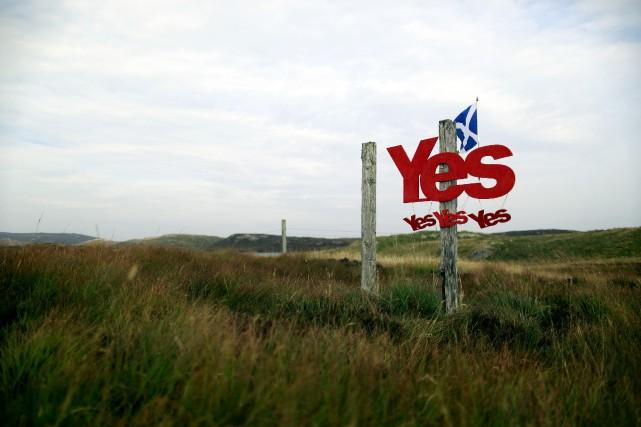 Au-delà des questions civiques, les questions identitaires restent... (Photo Cathal McNaughton, Reuters)