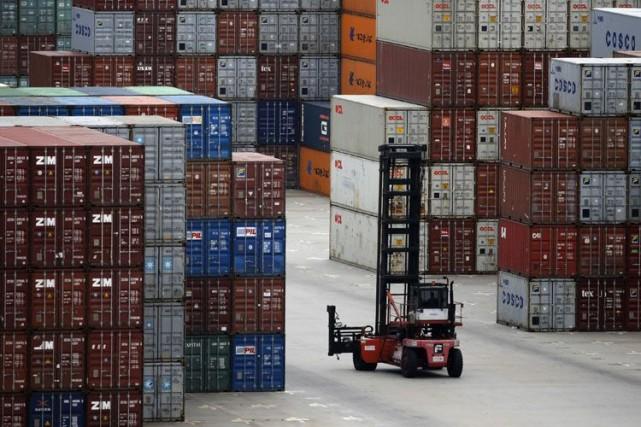 La valeur des marchandises échangées dans le monde... (Archives Reuters)