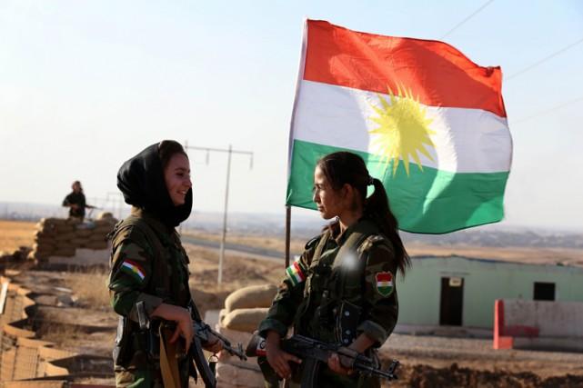 La France, qui arme les combattants kurdes irakiens... (Photo: AFP)