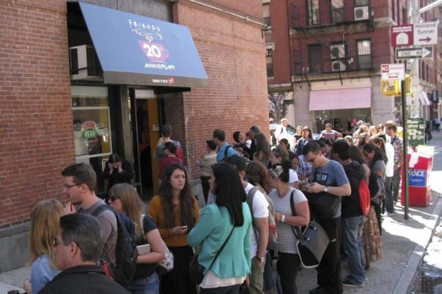 Les fans de Friends ont pris d'assaut mercredi... (Photo: AFP)