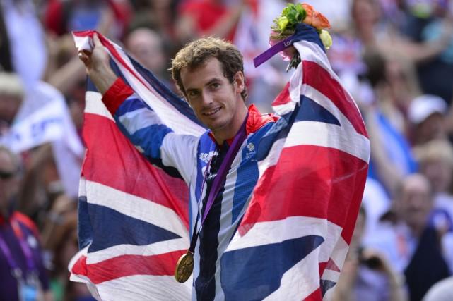 Andy Murray a brandi le drapeau du Royaume-Uni... (Photo Leon Neal, archives AFP)