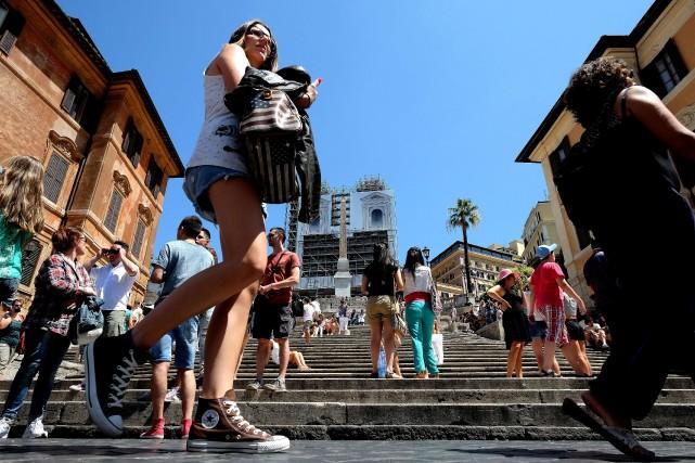 La visite «jogging» permet d'éviter les hordes de... (Photo ALBERTO PIZZOLI, AFP)