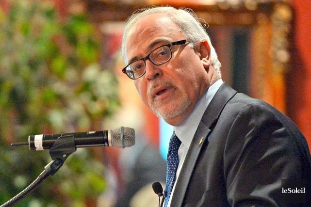 Le ministre des Finances, Carlos Leitao.... (PHOTO PASCAL RATTHÉ, ARCHIVES LE SOLEIL)