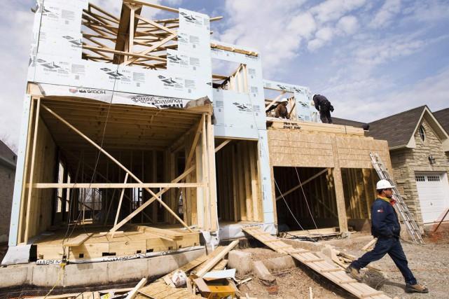 Le nombre de mises en chantier en milieu... (Photo Nathan Denette, archives La Presse Canadienne)