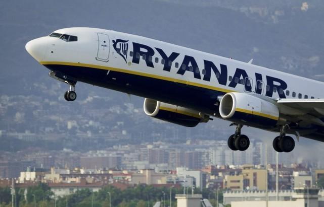 Ryanair ne devrait pas ouvrir de nouvelles lignes au Royaume-Uni dans les... (PHOTO JOSEP LAGO, ARCHIVES AFP)