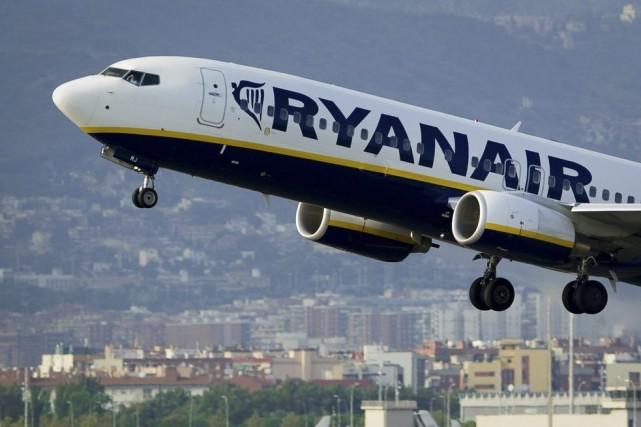 La compagnie irlandaise Ryanair, avec une flotte de... (PHOTO JOSEP LAGO, ARCHIVES AFP)