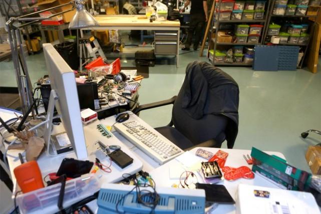 Le bureau de Limor Fried, fondateur d'Adafruit Industries... (PHOTO CHANG W. LEE, ARCHIVES THE NEW YORK TIMES)