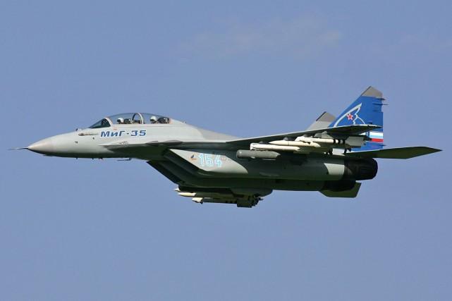 Un avion de chasse MIG-35, le même modèle... (Photo fournie par Wikipédia)
