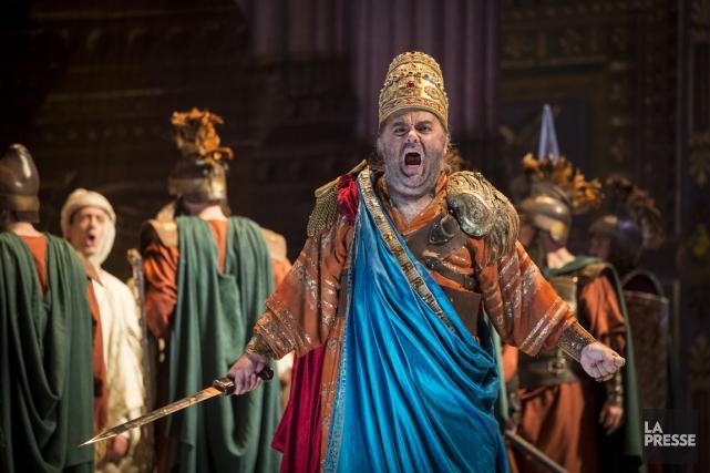 Paolo Gavanelli en Nabucco à l'Opéra de Montréal.... (PHOTO OLIVIER PONTBRIAND, LA PRESSE)
