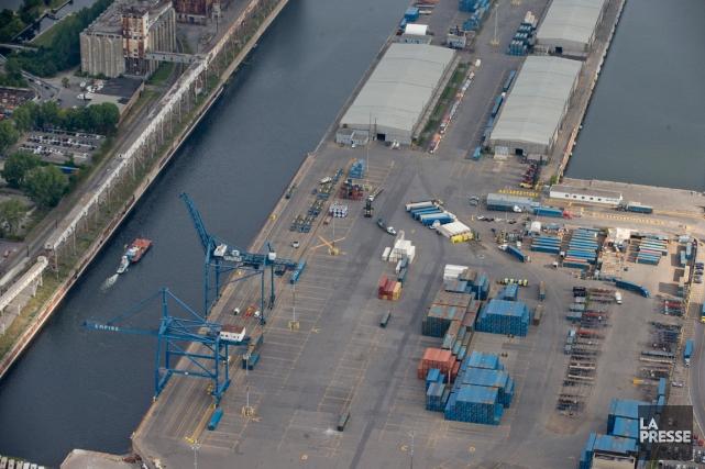 Le Port de Montréal pourrait être «pris en otage» et devenir le théâtre de... (PHOTO DAVID BOILY, LA PRESSE)