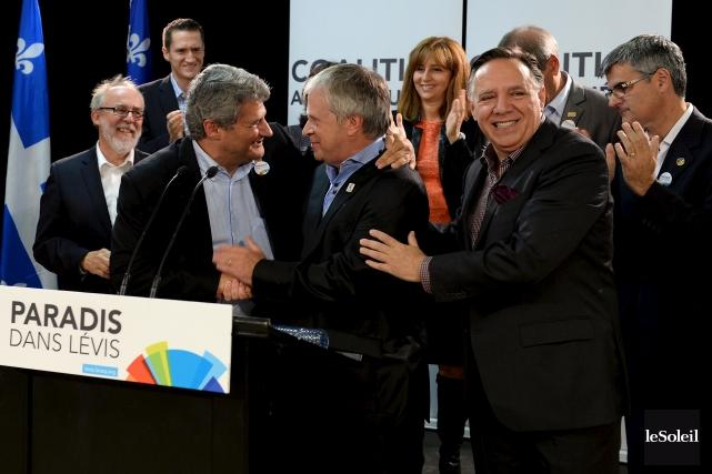 François Paradis a annoncé sa candidature dimanche matin,... (PHOTO ÉRICK LABBÉ, LE SOLEIL)