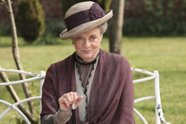 Maggie Smith dans une scène de Downton Abbey.... (PHOTO ARCHIVES AP)