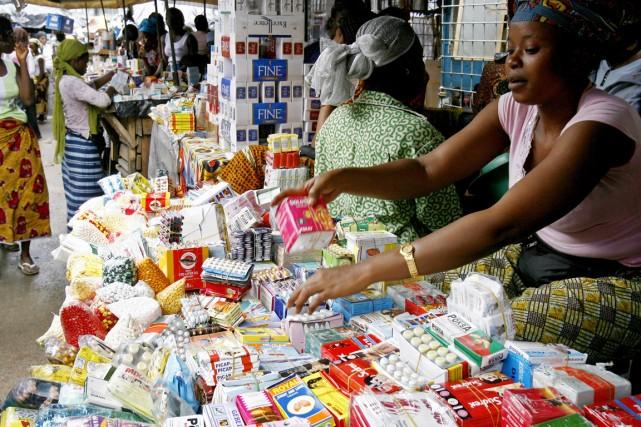 En dix jours, 113 millions de produits pharmaceutiques... (PHOTO ISSOUF SANOGO, ARCHIVES AFP)