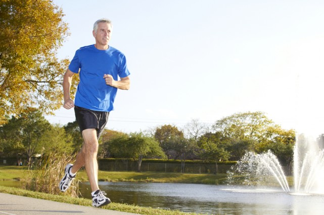 Les hommes pourraient éviter 80% des infarctus dont ils sont victimes... (Photo Digital/Thinkstock)