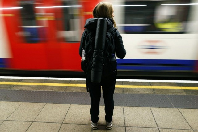 Il y aura la nuit un train toutes... (Photo ANDREW WINNING, Reuters)