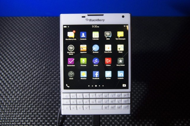 Le pari de BlackBerry: offrir un téléphone intelligent... (Photo Chris Young, La Presse Canadienne)