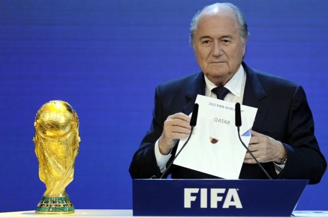 Le dossier Qatar-2022 n'a pas fini d'alimenter les... (Archives AFP)
