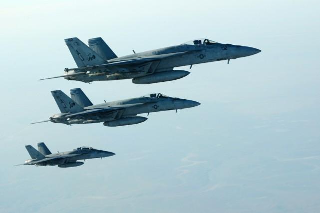 La coalition a mené plus de 30 frappes... (PHOTO ARCHIVES AFP/US AIR FORCE)