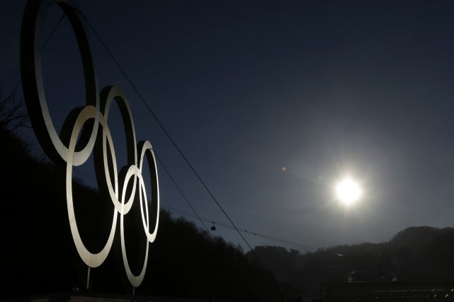 Le Comité international olympique (CIO) exigera des prochaines villes hôtesses... (Photo archives AP)