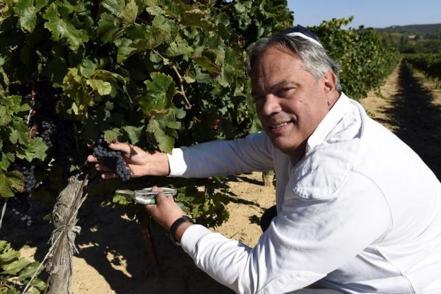 Alexandre Sartène, propriétaire de la Parnassah (prospérité, en... (Photo PASCAL GUYOT, AFP)
