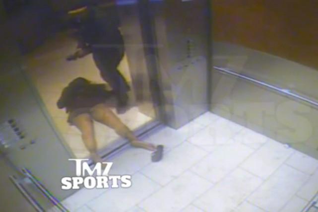 Image tirée d'un vidéo montrant le joueur Ray... (Photo TMZ, AP)