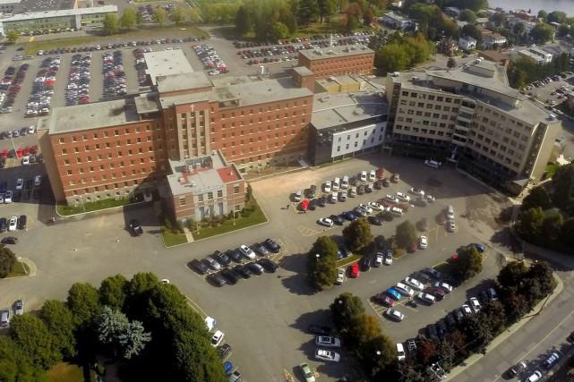 L'hôpital Sainte-Croix de Drummondville.... (Photo collaboration spéciale Éric Beaupré)