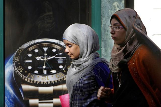 À compter de minuit jeudi, l'Égypte avait six... (PHOTO AMR NABIL, ARCHIVES AP)