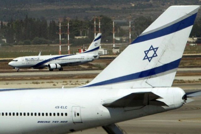 Les juifs d'Israël et de la diaspora célèbrent... (PHOTO RONEN ZVULUN, ARCHIVES REUTERS)