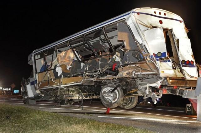 Trois jeunes femmes sont mortes sur les lieux... (PHOTO STEVE SISNEY, AP)