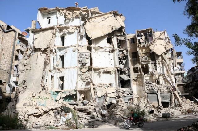 Abou Firas al-Souri, porte-parole d'Al-Nosra a dénoncé les... (PHoto FADI AL-HALABI, AFP)