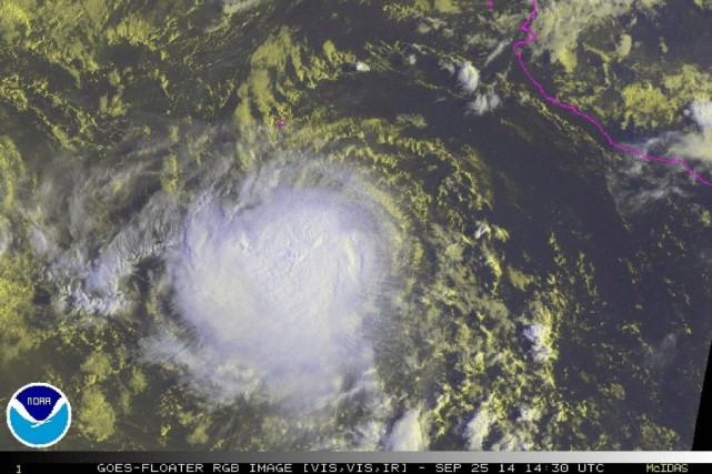 La tempête tropicale Rachel s'est transformée samedi en ouragan en... (Photo Reuters)