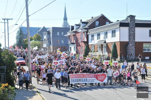 La marche de solidarité dans les rues de... (Photo: Émilie O'Connor, Le Nouvelliste)