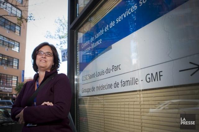Karen Laxton est auxiliaire familiale au CSSS Jeanne-Mance... (PHOTO ANDRÉ PICHETTE, LA PRESSE)