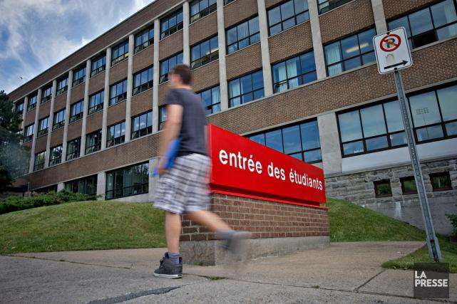 Q: «Ma fille termine sa deuxième année au Collège de Sherbrooke et entrera à... (PHOTO PATRICK SANFAÇON, ARCHIVES LA PRESSE)