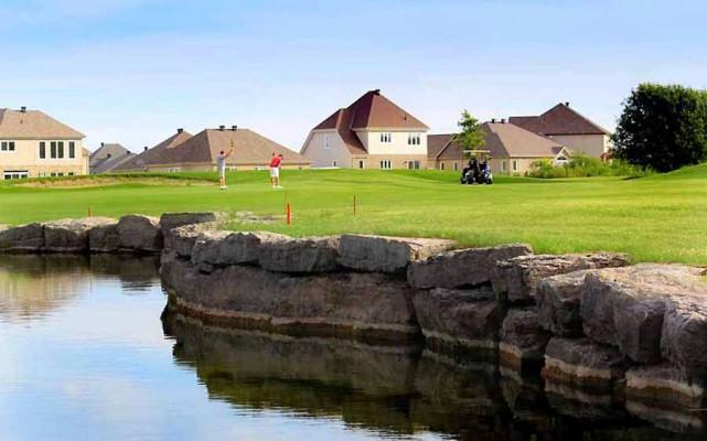 Le golf les vieux moulins pourrait fermer guillaume st for Club piscine gatineau qc